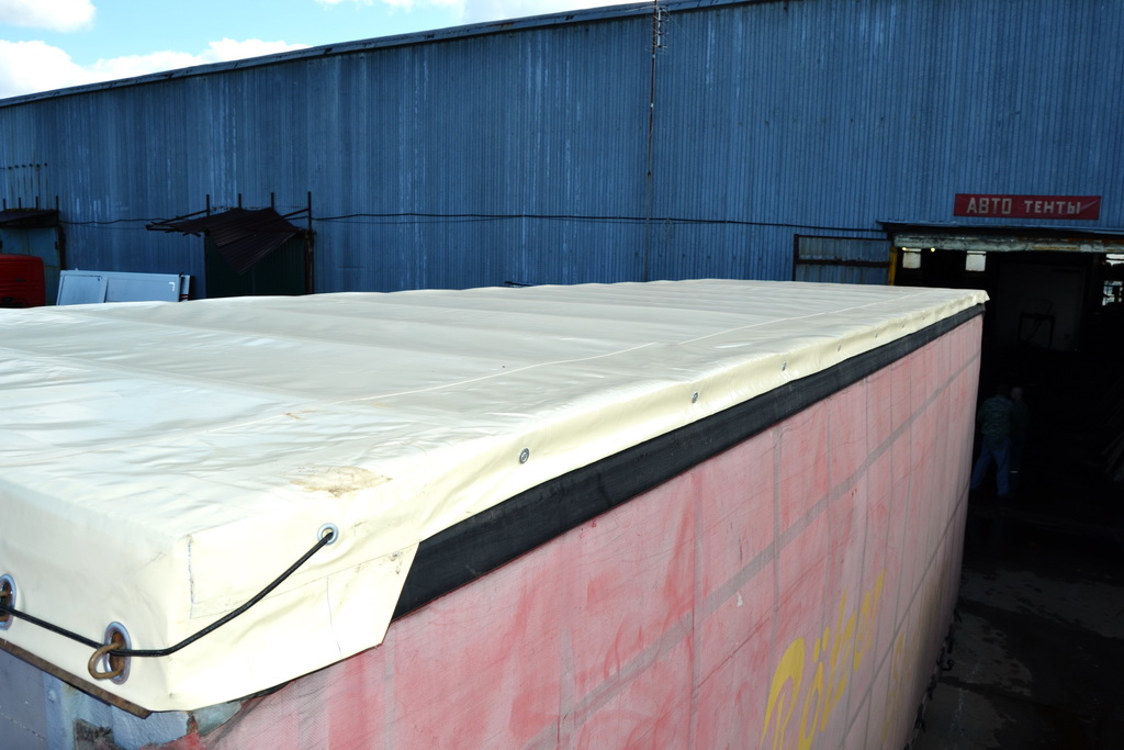 Замена крыши на грузовом прицепе Schmitz